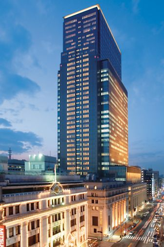 tokyo-exterior-view-night-01